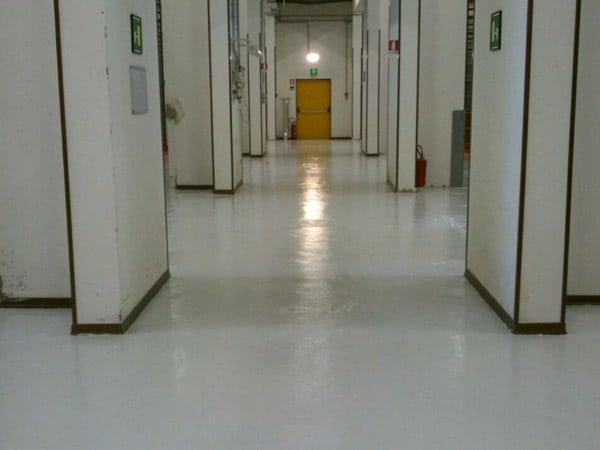 Applicazione-resine-per-pareti-bagno-Modena